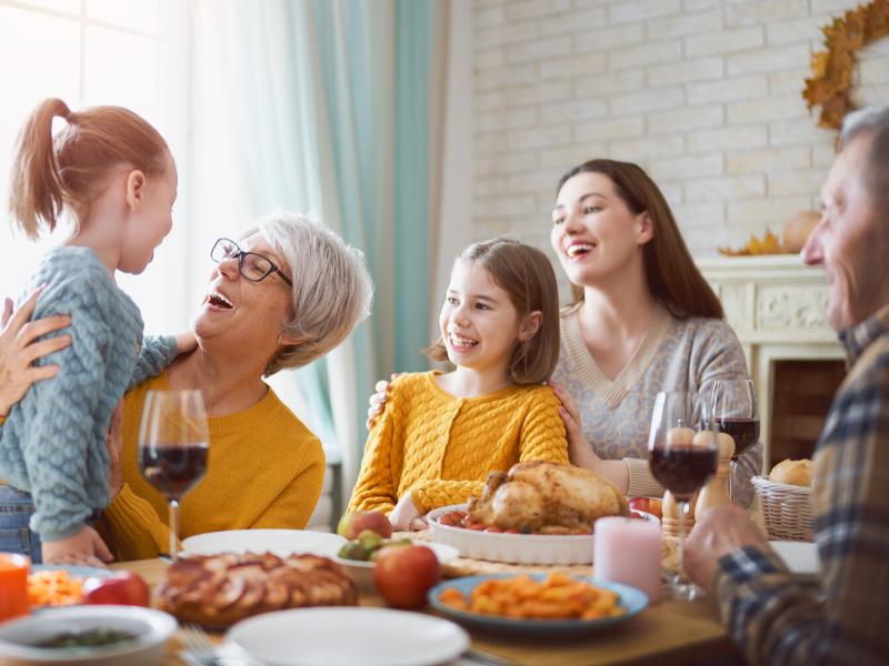 Thanksgiving dinner with children